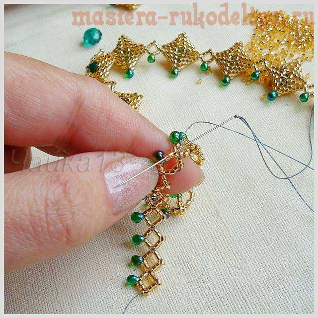 Мастер-класс по бисероплетению: Ожерелье; Изумрудная капель.