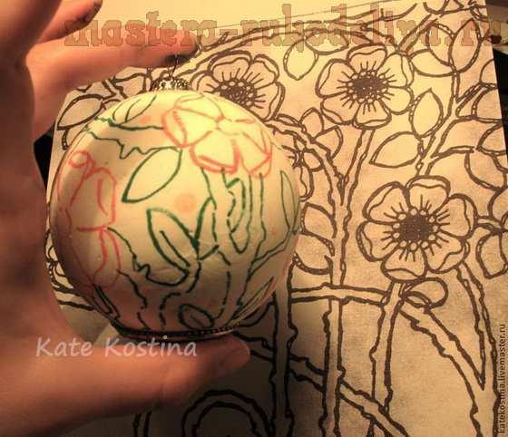 Мастер-класс по бисероплетению: Ёлочный шар в технике клеевой мозаики