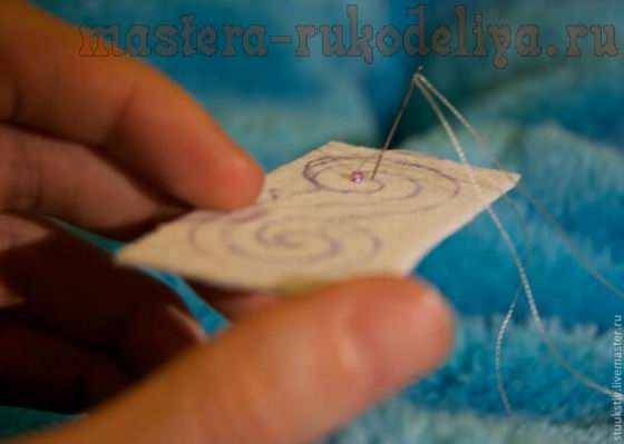 Мастер-класс по вышивке бисером: Кулон из бисера и ракушек; Кораблик.