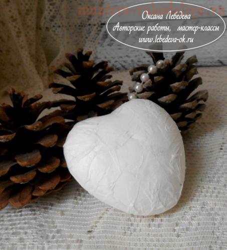 Делаем декупаж новогодней елочной игрушки из пенопласта