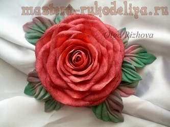 Видео мастер-класс: Обработка лепестков роз из ткани с помощью инструментов