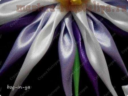 Мастер-класс по канзаши: Цветок с тонкими лепестками