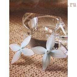 Мастер-класс по созданию украшений из капрона: Серьги Белый цветок