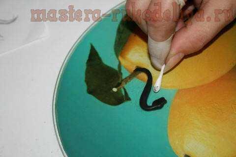 Мастер-класс по лепке из полимерной глины: Подвеска в технике филигрань; Черная кобра.