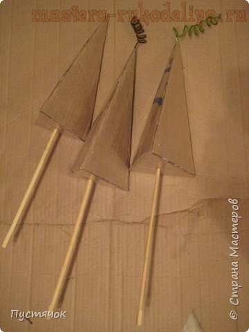Мастер-класс по декорированию: Ёлки-пирамидки в стиле; Хиппи.