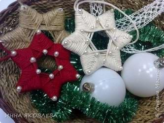 Как сделать новогодние поделки из ниток - Звездочки на елку своими руками