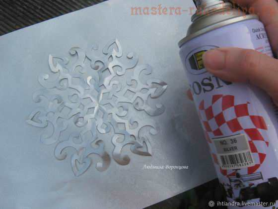 Как легко создать оригинальное панно с новогодними снежинками из бумаги своими руками