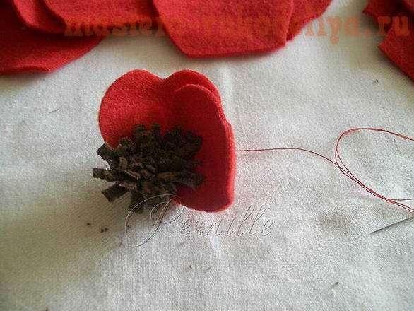 Мастер-класс: Алый цветок из ткани