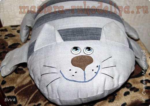 Мастер-класс по шитью для дома: Игрушки-подушки; Котов много не бывает; с выкройками
