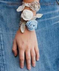 Мастер-класс по вязанию крючком: Браслет Кавалер роз