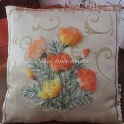 Мастер-класс по вышивке лентами: Декоративная подушка; Эшшольция махровая.