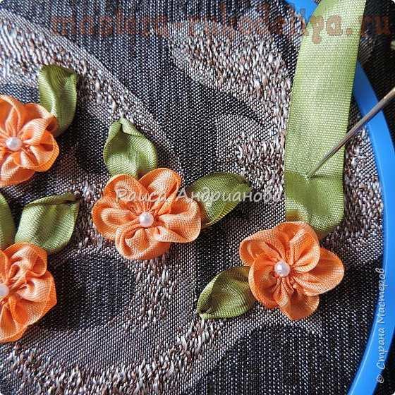 Мастер-класс по вышивке лентами: Футляр для очков с цветами из лент
