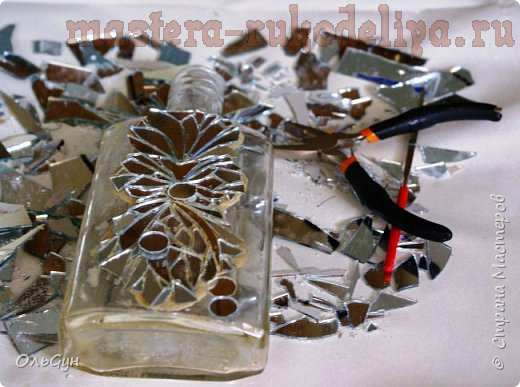 Мастер-класс по лепке: Декор бутылки зеркальной мозаикой и эпоксидной смолой