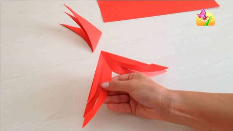 Делаем объемную снежинку из бумаги